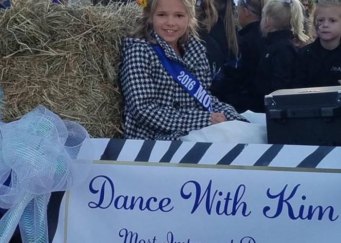 Dance with Kim - Halloween Parade 2017 12
